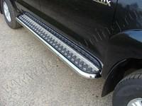 Пороги с площадкой 60,3 мм на Toyota Hilux (2011 -) ТСС TOYHILUX12-02